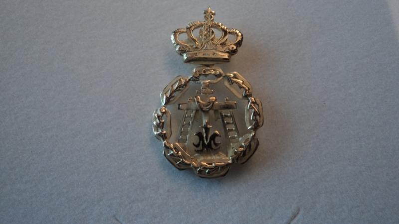escudo hermandad b